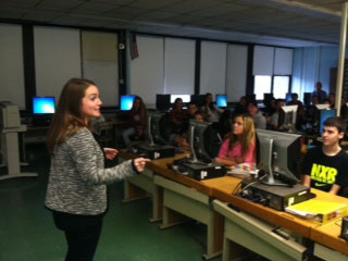 Jackie Dresch talks to Journalism students