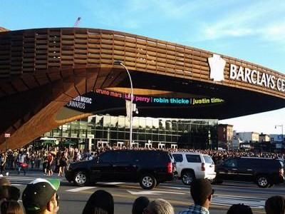 Live From the Barclay's Center- 2013 MTV VMA's
