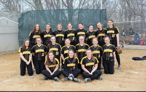 Softball Team Hopes to Capture Another Conference Title
