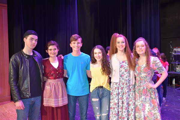 "Wantagh Community Sings Praise for ""Footloose"""